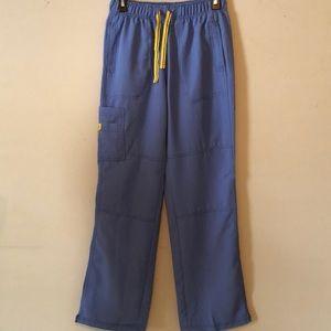 Ceil blue scrub pants, size Sm tall, nwot